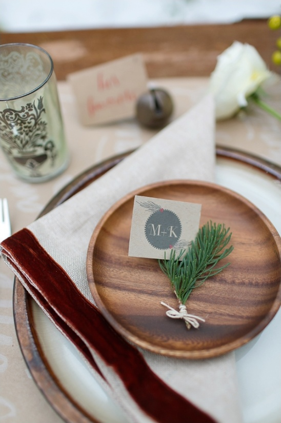 holdiay themed table setting