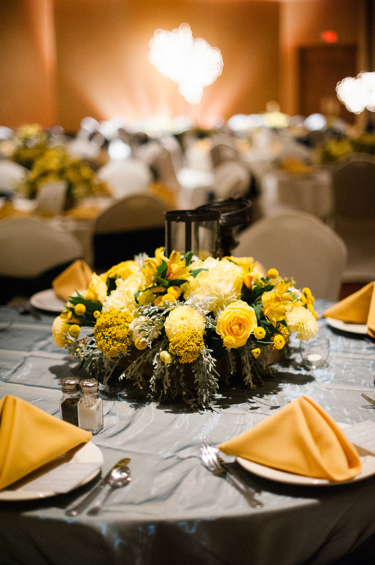 yellow and navy floral centerpieces
