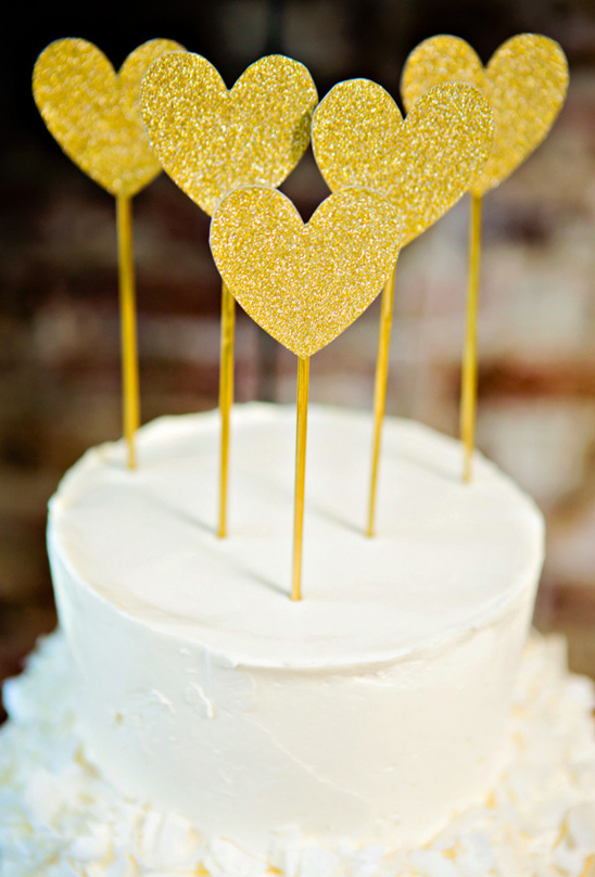 gold glitter heart cake topper
