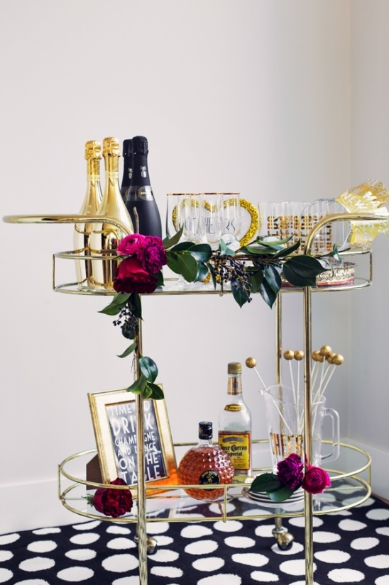 gold and black champagne station