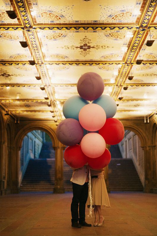 giant balloon used as engagement photo