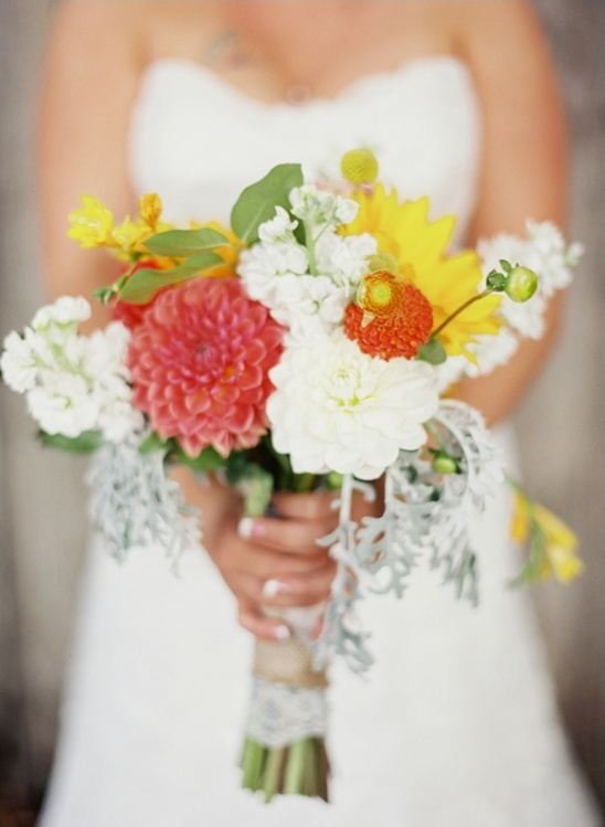 summery wedding bouquet