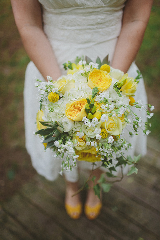 yellow and grey wedding bouquet gray and yellow wedding at the barn at fallingwater 1507