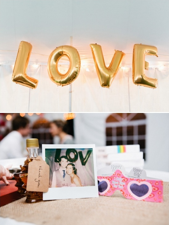love balloons and wedding favors