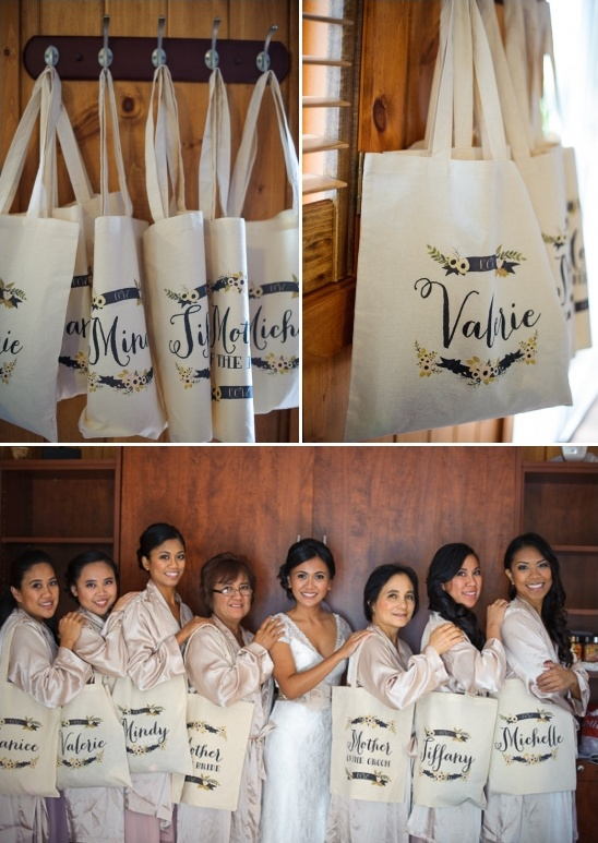 customized totes by wedding chicks
