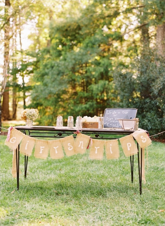 welcome table with diy burlap banner