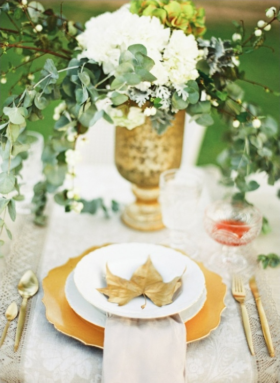 gold leaf table setting