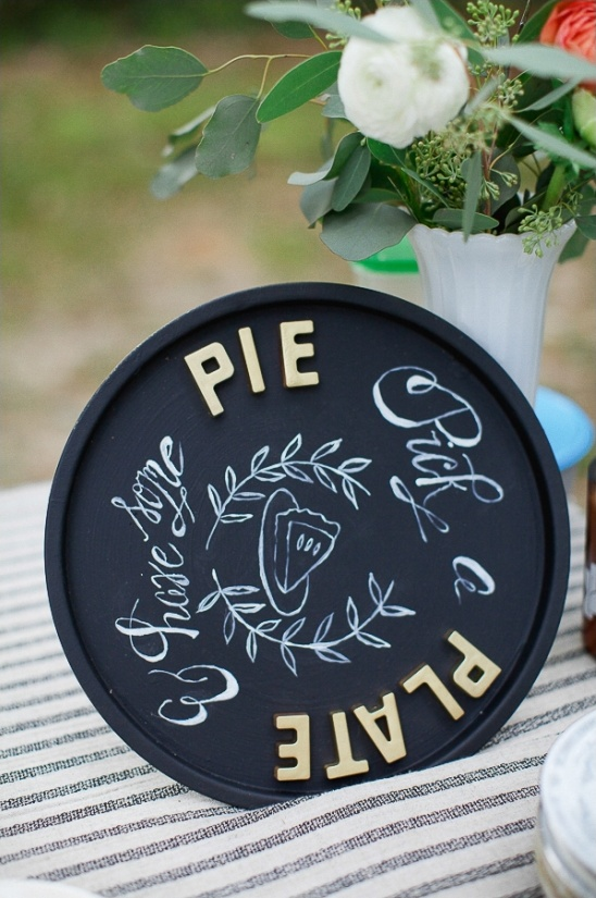 pick a plate and have some pie sign