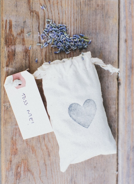 lavender seeds for your guests to toss