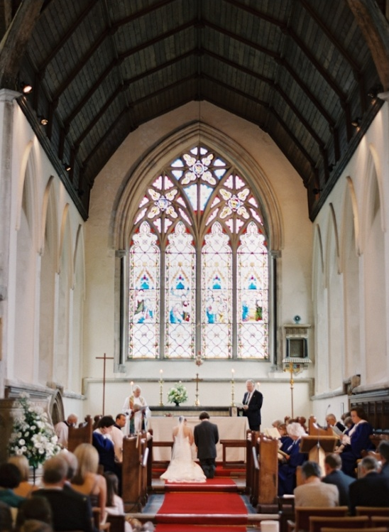 english chapel wedding ceremony