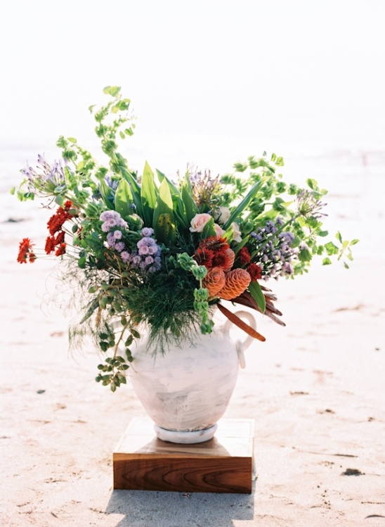 standing vase bouquet for beach wedding