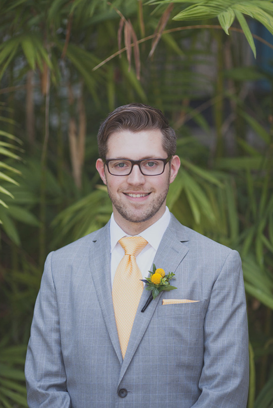 yellow and gray groomsman idea