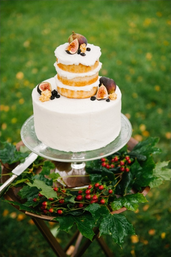 half naked fig wedding cake
