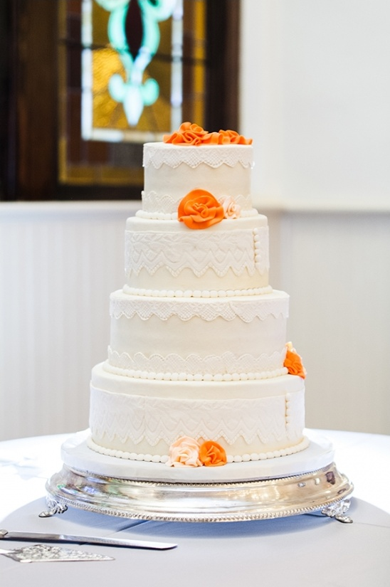 fondant lace wedding cake by Goetz Catering