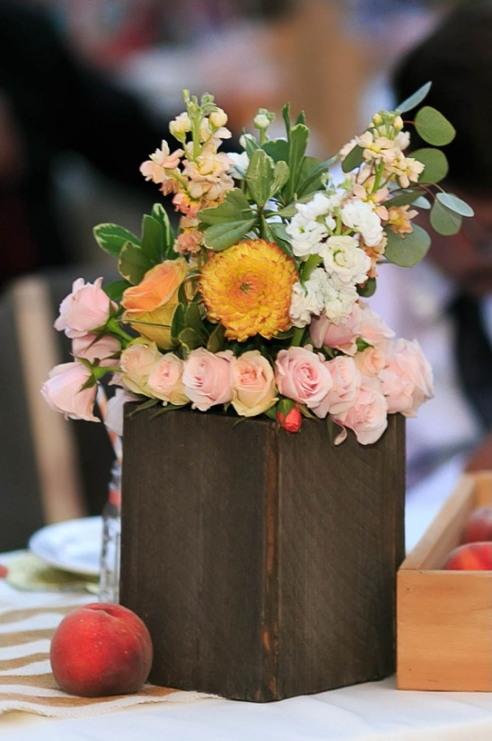 peach and soft pink floral centerpiece creation