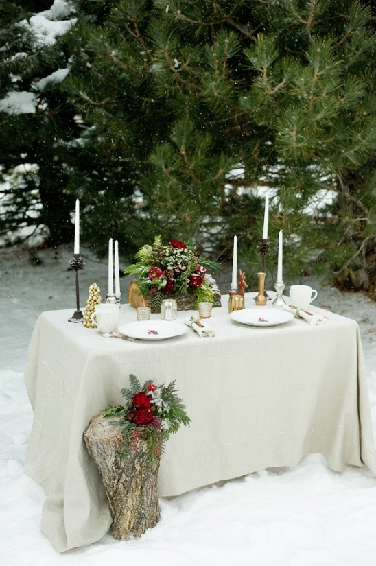 winter wedding sweetheart table