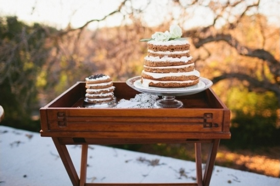naked cake wedding cake table