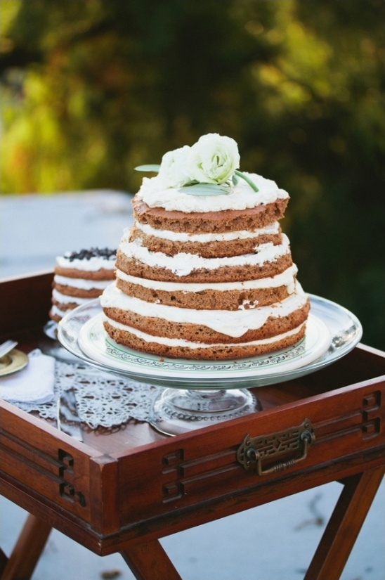 naked spice wedding cake
