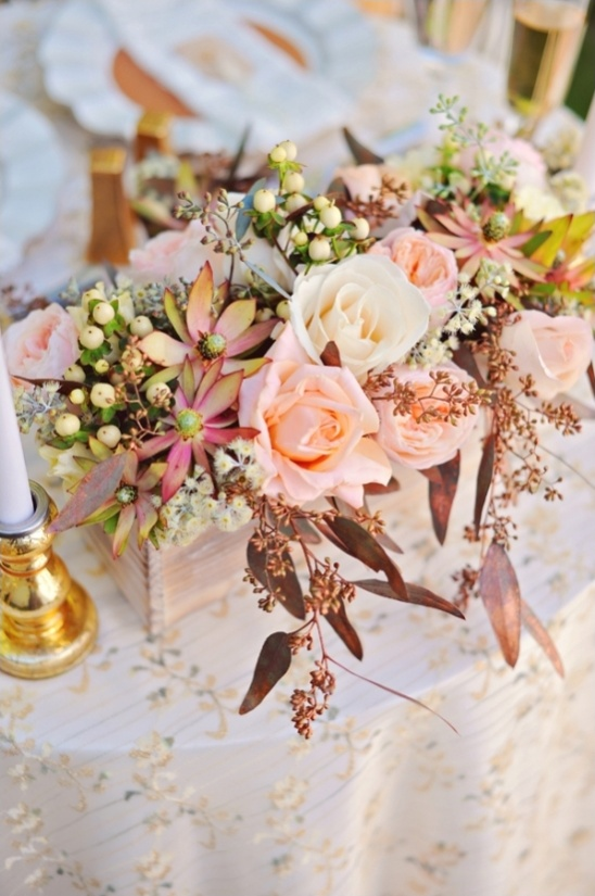 blush and cream floral centerpiece