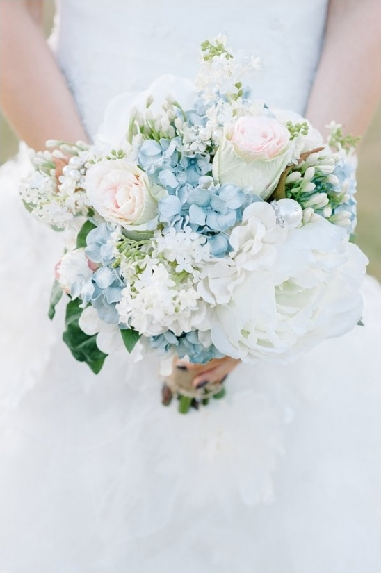 blue and white romantic wedding bouquet