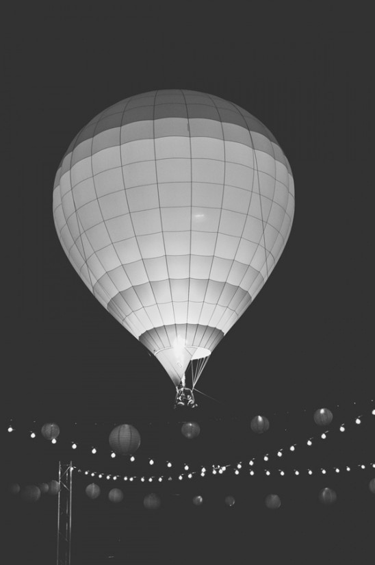 hot air balloon exit at wedding