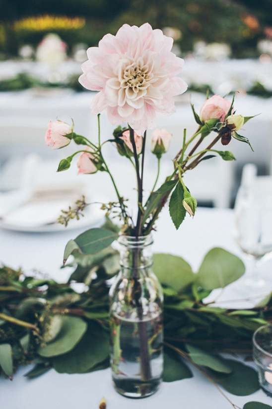 simple garden rose centerpiece