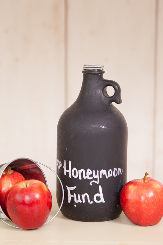 paint a jug with chalkboard paint for your honeymoon fund jar