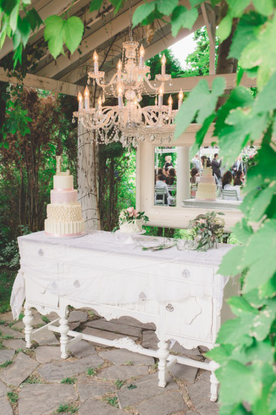 wedding cake table alcove