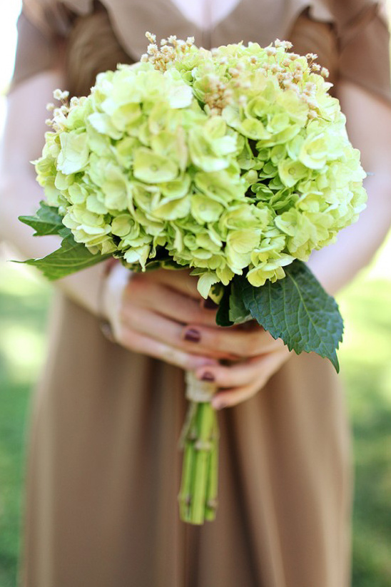 green bridesmaid boquet