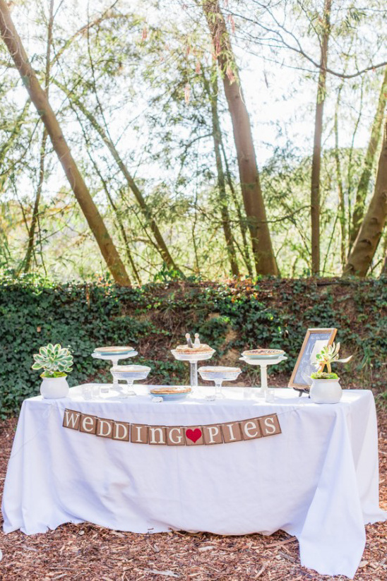 wedding pies table