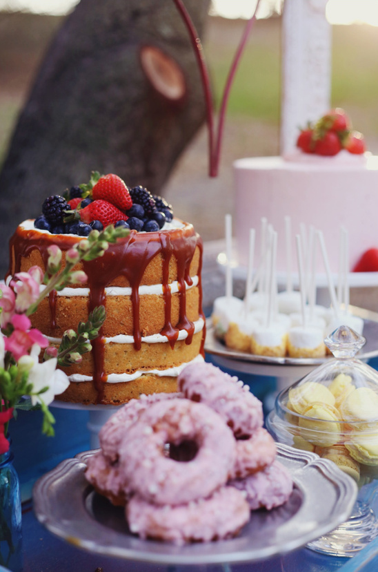 naked cake and other desserts by M Cake Sweets