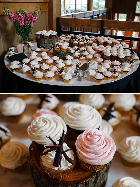 wedding cupcakes in lieu of cake