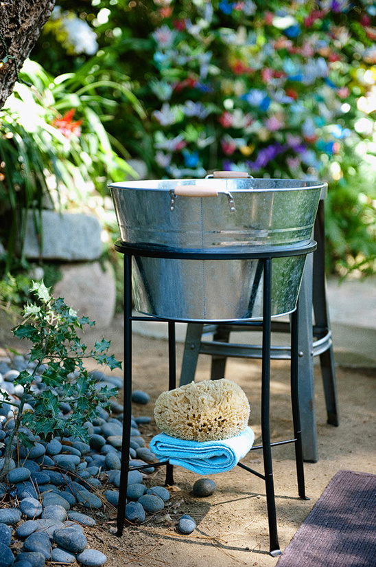ceremony washtub