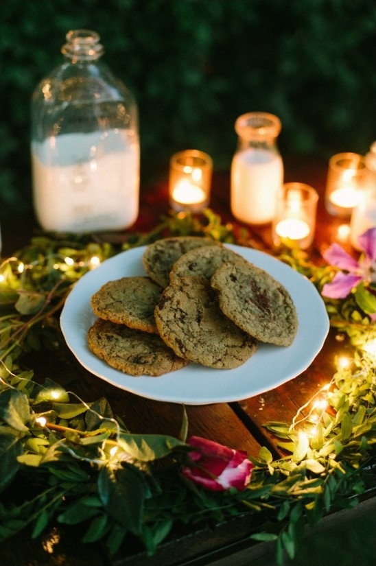 candlelit cookie table