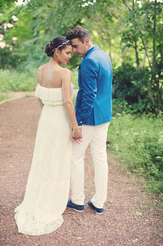 stylish bride and groom looks