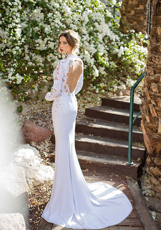 key hole wedding dress by Julie Vino