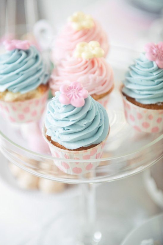 pink and blue wedding cupcakes