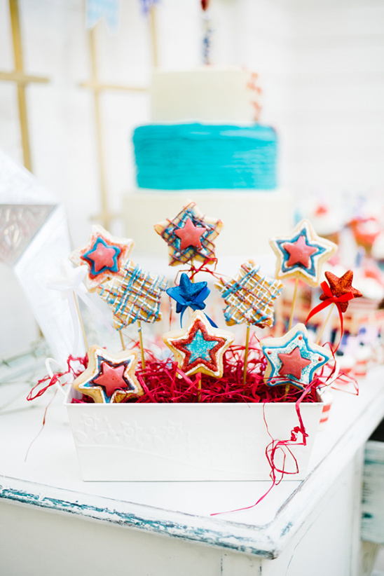 red white and blue star pops