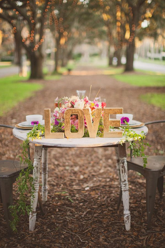 rustic sweetheart table ideas