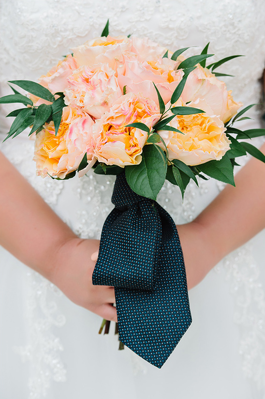 tie wrapped bouquet