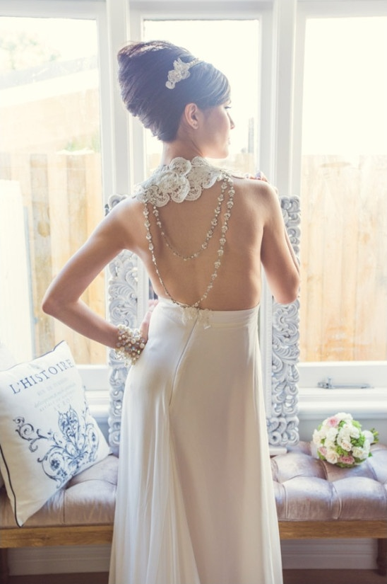 breathtaking backless wedding dress