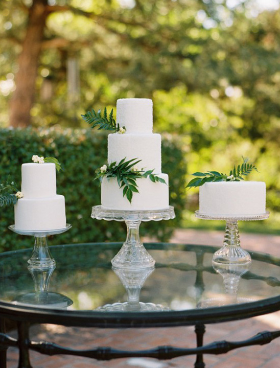 white wedding cakes display
