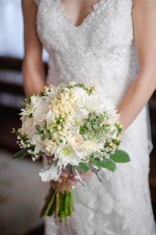 white and green bridal bouqet