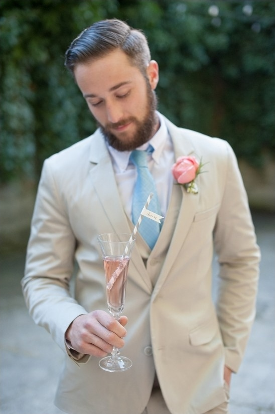 pink champagne to toast the wedding couple with