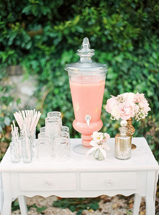 cute lemonade stand for your wedding