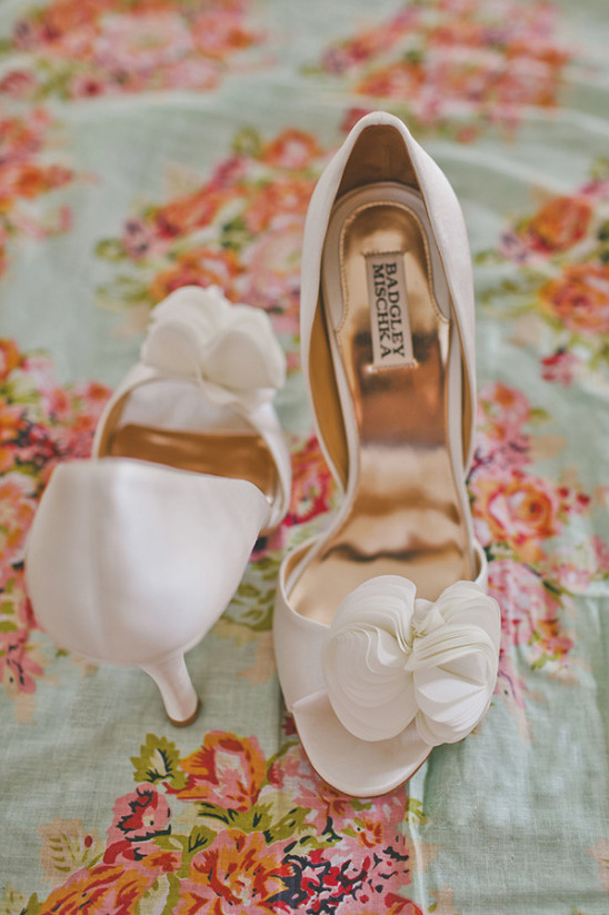 badgley mischka ivory wedding shoes
