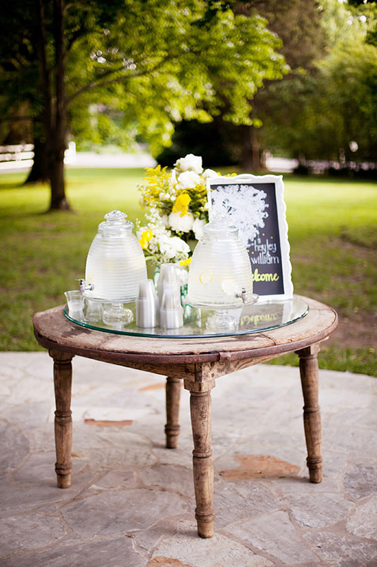 welcome drinks table
