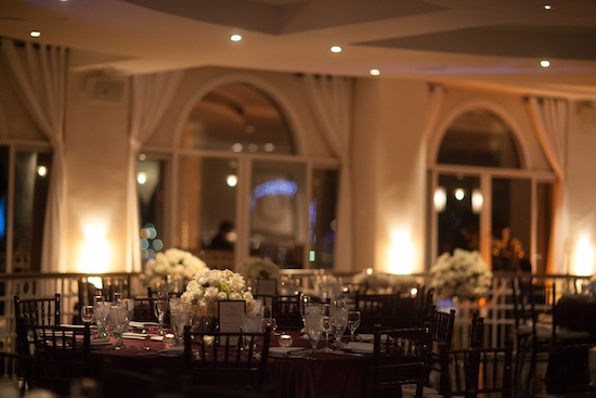 INTIMATE WEDDING IN SHADES OF WHITE