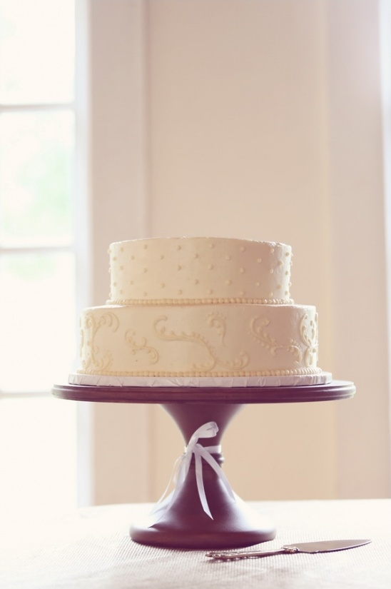 clean and simple white wedding cake