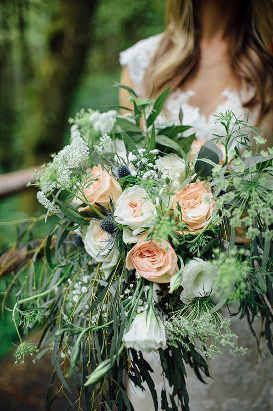 flowing loose wedding bouquet
